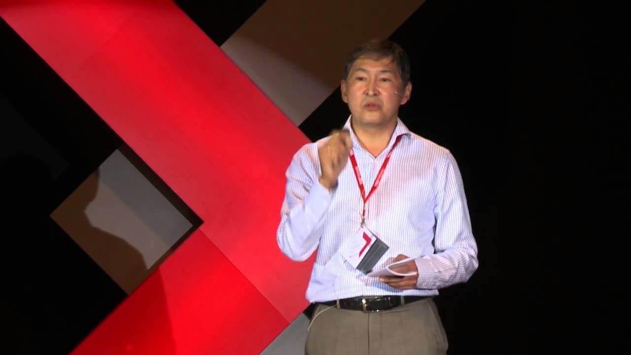 Ерлан Сағадиев TEDxAlmaty шарасында, 2013 жыл ©youtube.com