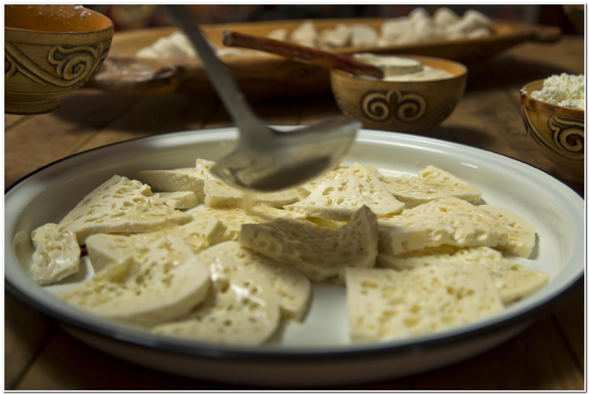 Уыз. Казахский деликатес из молозива ©jas.kz